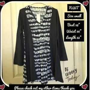 NWT S Lovely black & white tunic/dress